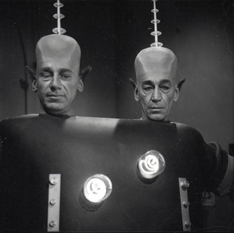 Alien Twins